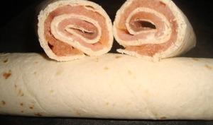 Wraps au saumon fumé et fromage ail et fines herbes