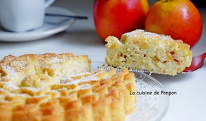Gâteau hyper moelleux à la pomme, écorce de combava et blancs d'oeufs