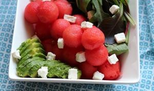 Salade de pastèque à l'avocat et à la feta