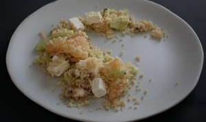 Salade de quinoa à la feta, au pamplemousse et champignons de Paris