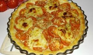 Tarte au thon aux tomates et au cabécou