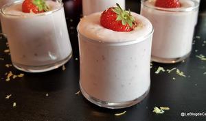 Mousse aux fraises et ricotta à la vanille et zeste de citron