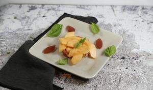 Tartare de jambon et tomate au melon gelée de porto
