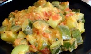 Poêlée de courgettes et tomates à la crème au curry -Light-