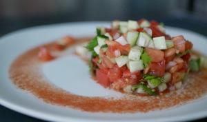 Salade fraîcheur au concombre, tomates et sumac