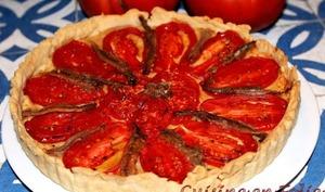 Tarte à la tomate, aux amandes et aux anchois
