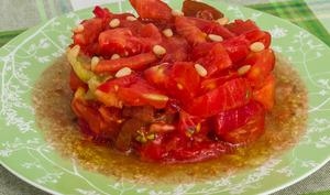 Salade de tomates aux pignons de pin