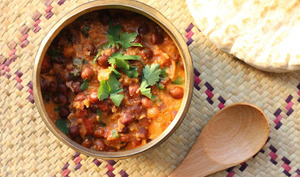 Curry de pois chiches bruns aux raisins secs