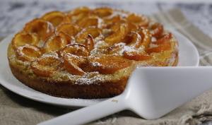 Tarte briochée abricots et crème d'amande