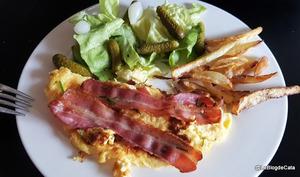 Gâteau aux œufs et bacon