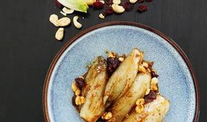 Endives braisées noix de Cajou et Canneberges