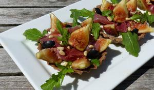 Tartelettes aux figues,ricotta et jambon cru