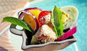 Salade de pommes de terre au foie de morue/thon + poudre de baobab et piment