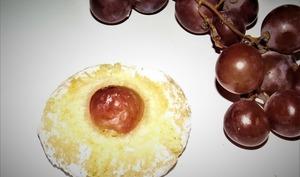 Nid d'amaretti aux raisins