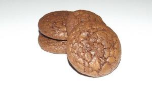 Cookies craquelés au chocolat et au poivre de la Jamaïque