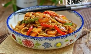les nouilles chinoises aux crevettes