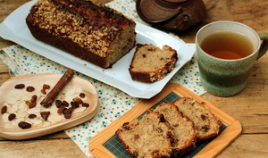 Cake de petit-déjeuner au son d'avoine, amandes et raisins secs