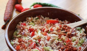 Salade de riz au thon, vinaigrette au chorizo