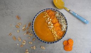 Soupe froide carottes, cacahuète et orange