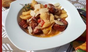 One pot pasta aux saucisses, sauce aux poivrons au Cookéo