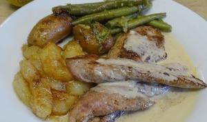 Aiguillettes de canard aux poires, sauce 4 épices et Bleu de brebis
