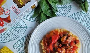 Polenta, maïs et compotée de courgettes et poivrons à la pancetta