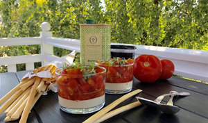 Verrine caprese mousse de mozzarella, tomates et basilic
