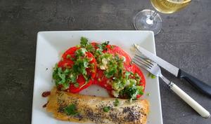 Carpaccio de tomates avec salsa de cébettes et gingembre de Yotam Ottolenghi