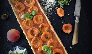 Tarte aux deux abricots et basilic