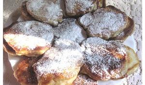 Oladushki aux pommes et à la cannelle
