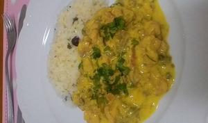 Curry jaune de fleur de bananier babafigue et crevettes