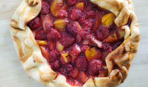 Tarte rustique fraises et nectarines