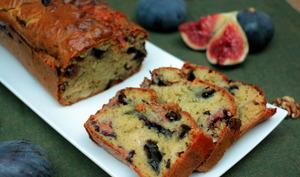 Cake aux figues, bleu et noix