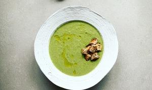 Crème de troncs de brocoli et épinards