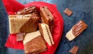 Biscuits VG à la crème de pralin maison