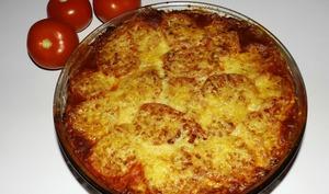 Gratin de raviolis aux tomates, au basilic et aux champignons