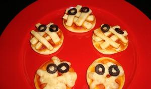 Mini pizzas momies d'Halloween