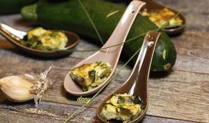 Bouchées de courgette au fromage et aux herbes