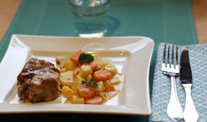 Filet mignon à la moutarde, aux pommes de terre et carottes au Cookeo