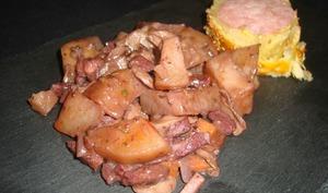 Pommes de terre sauce au vin rouge