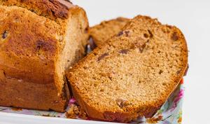 Cake aux raisins, miel et rhum