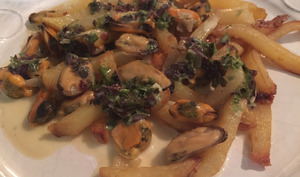 Moules frites aux épices de la mer