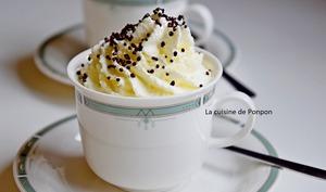 Riz au lait et à la confiture de lait cacao et noisettes comme un cappuccino...