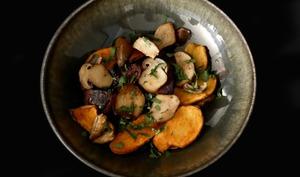 Boudin noir aux pommes de terre Ratte et aux cèpes.