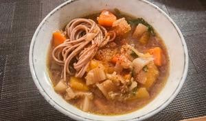 Soupe de courge au miso et soba