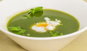 Soupe de cresson, œuf poché