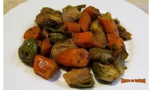 Choux de Bruxelles avec des carottes au four
