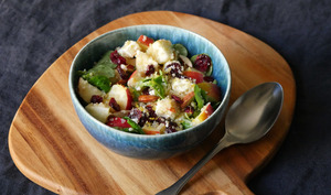 Salade de quinoa pomme cranberries feta