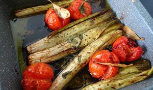 Tomates et poireaux rôtis au vinaigre balsamique de Jamie Oliver
