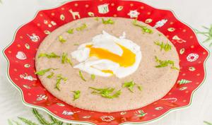 Crème de cèpes aux œufs pochés